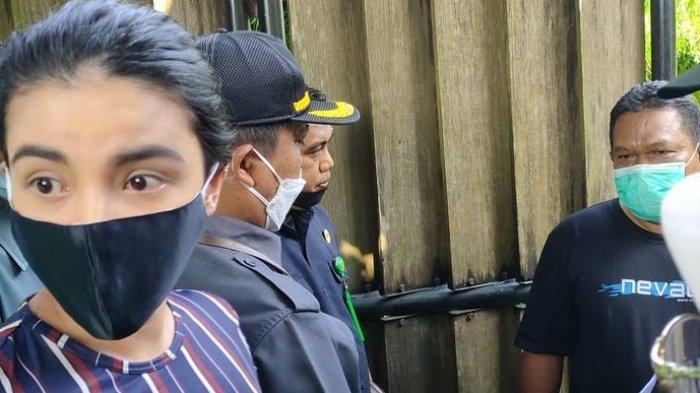 Datangi Rumah Atalarik Syach, Tsania Marwa Didampingi Puluhan Polisi untuk Jemput 2 Anaknya