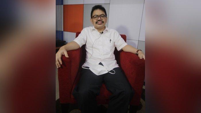 Rektor Universitas Islam Negeri (UIN) Antasari, mengupas karya tulisnya di BTalk, Banjarmasin Post, Sabtu (10/7/2021).