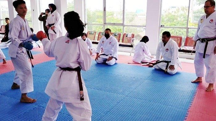 Para Karateka Muda Shotokai Semangat Ikuti Kenaikan Sabuk di Banjarmasin