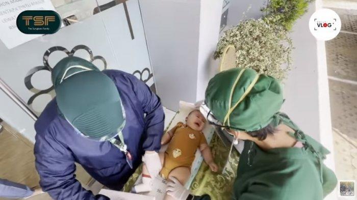 Zaskia Sungkar & Irwansyah Terima Kabar Tak Biasa dari Dokter Anak, Perubahan Tubuh Ukkasya Dibahas
