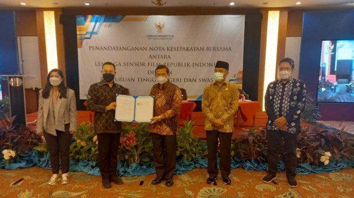 Universitas Lambung mangkurat (ULM) menghadiri acara penandatanganan Memorandum of Understanding (MoU) dengan Lembaga Sensor Film Republik Indonesia (LSF RI)