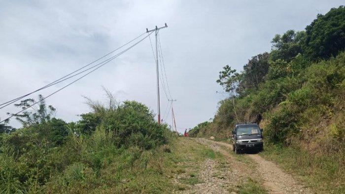 untuk dapat menghadirkan listrik, PLN harus berjalan dengan jarak sekitar 4 km dari Kantor Kecamatan Balocci