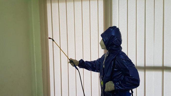 Pencegahan Penyebaran Virus Corona, Kantor PKS Kalteng Disemprot Disinfektan
