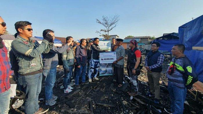 UPZ Bank Kalsel Kucurkan Bantuan Korban Kebakaran di Alalak Selatan