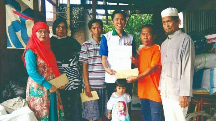 UPZ Bank Kalsel Tunjukkan Aksi Peduli kepada Korban Kebakaran Teluk Dalam