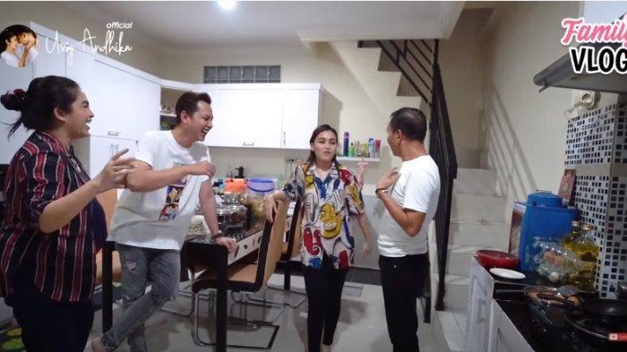 Isi Lemari Tas di Rumah Ayu Ting Ting Bikin Ussy Sulistiawaty Syok, Istri Andhika Langsung Heboh