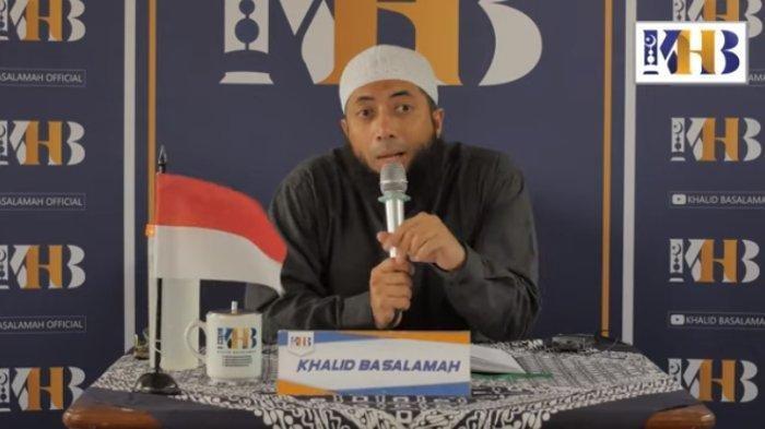 Ustaz Khalid Basalamah memberikan penjelasan soal video ceramahnya yang menyebut tidak usah ikut menyanyikan Lagu Indonesia Raya.