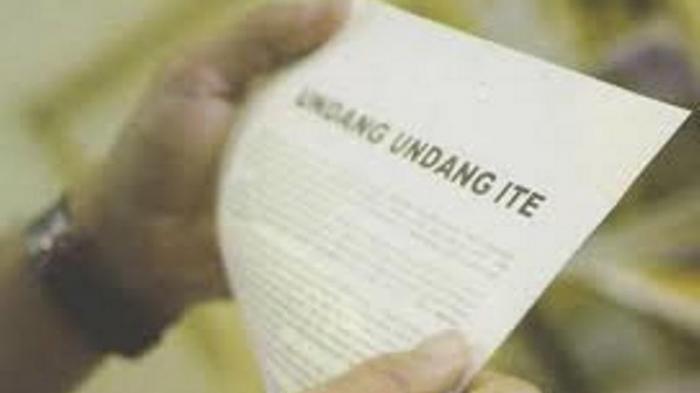 Undang-Undang Pornografi dan Undang-Undang Informasi dan Transaksi Elektronik (ITE).