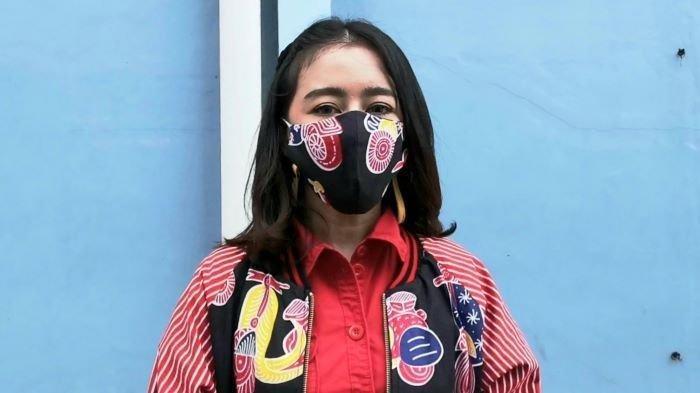 Uut Permatasari di TransTV, Jalan Kapten Tendean, Mampang Prapatan, Jakarta Selatan, Jumat (5/2/2021). Uut Permatasari mengalami keguguran beberapa bulan lalu. Ia mengaku tidak tahu jika sedang hamil anak kedua.