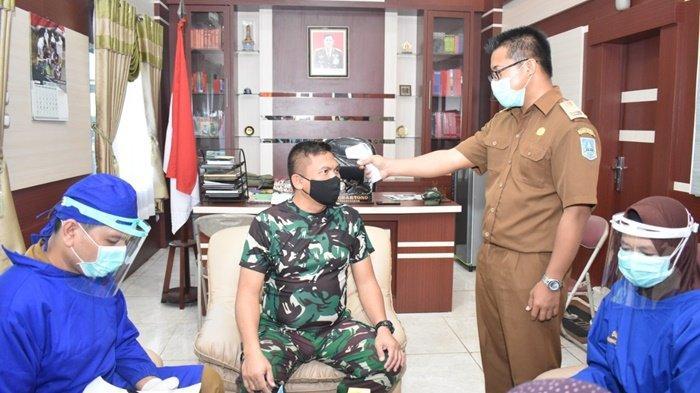 Komandan Kodim 1003/Kandangan Terima Suntikan Vaksin Sinovac Tahap Kedua