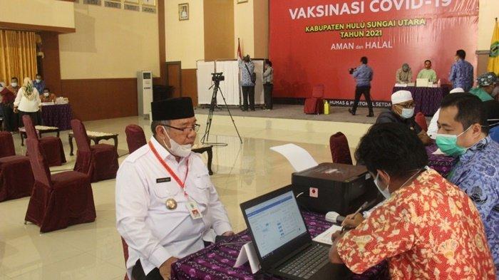 Forkopimda Kabupaten HSU Laksanakan Vaksinasi di Aula Ideham Khalid Kota Amuntai