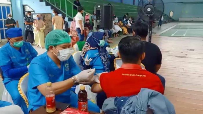 Ratusan Atlet di Kabupaten Kapuas Ikuti Vaksinasi Covid-19 Dosis Pertama