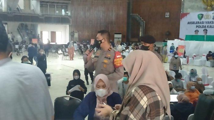 Cegah Kerumunan Vaksinasi di Gedung Sultan Suriansyah, Petugas Mobile Pantau Peserta