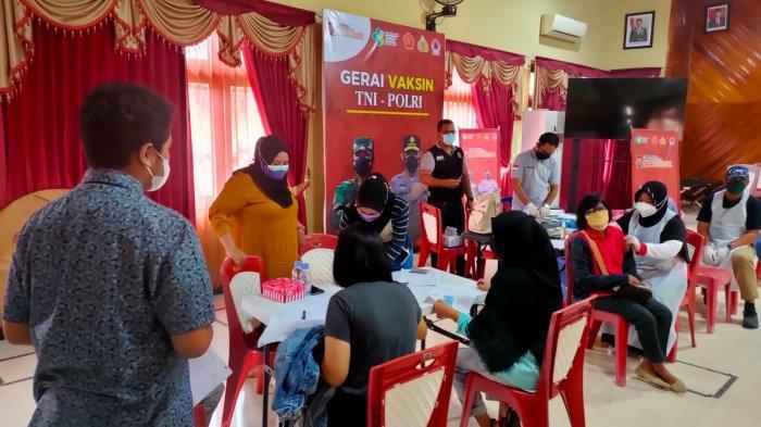Ratusan Warga Dapatkan Vaksin Covid-19 di Gerai Vaksinasi Presisi Polres Tabalong