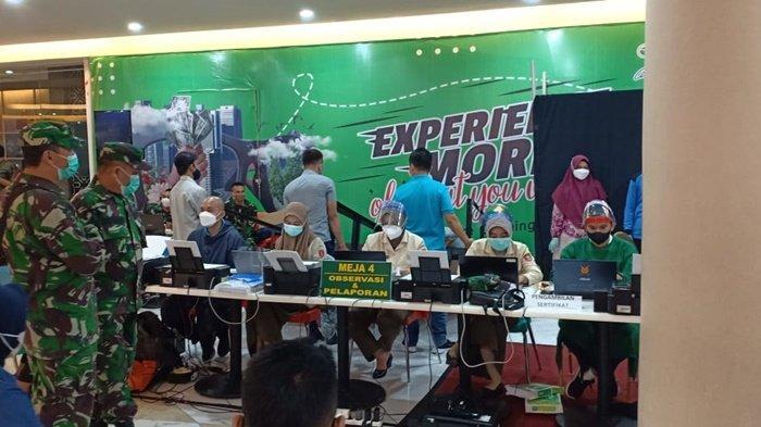 Serbuan Vaksinasi TNI digelar Korem 101/Antasari di Duta Mall Banjarmasin, Jalan A Yani Km 2, Kota Banjarmasin, Kalimantan Selatan, Sabtu (3/7/2021) dan Minggu (4/7/2021).