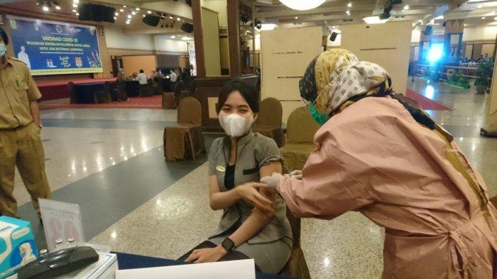 Wabah Corona Kalsel, Sejumlah Hotel Di Banjarmasin Laksanakan Vaksinasi Covid 19 Serentak