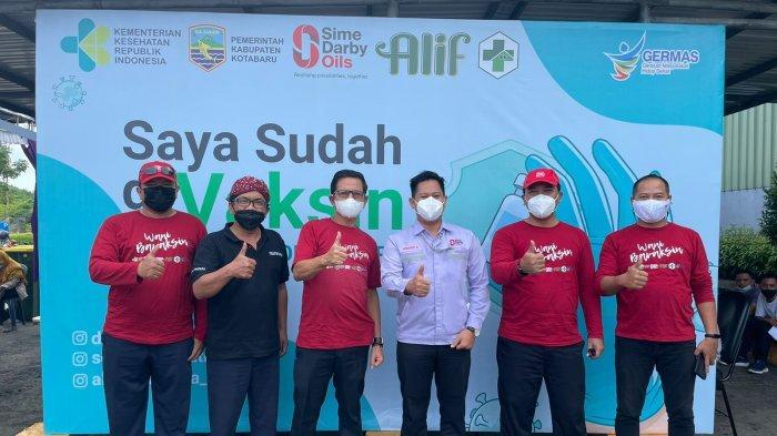 PT Sime Darby Oils Pulau Laut Refinery Adakan Vaksinasi, Warga Antusias Vaksin, Sekda Senang