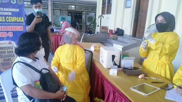 Vaksinasi Lansia di Gereja Katedral Banjarmasin, Antusias Peserta Lebihi Target Jumlah Vaksin