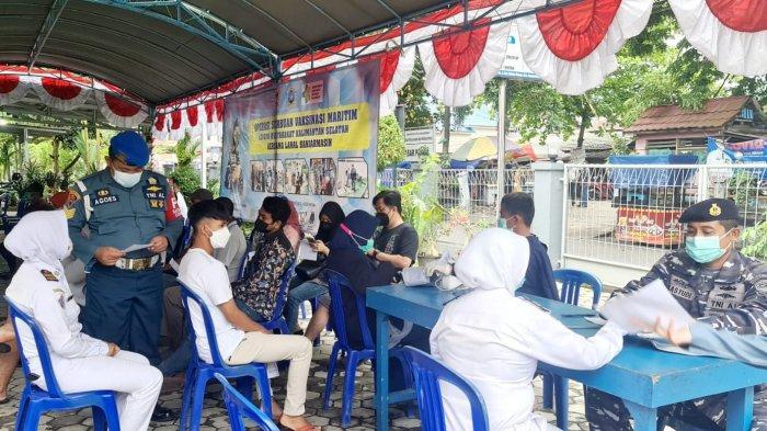 Vaksinasi TNI AL Lanal Banjarmasin berlanjut, layani 155 masyarakat pada Jumat (24/9/2021)