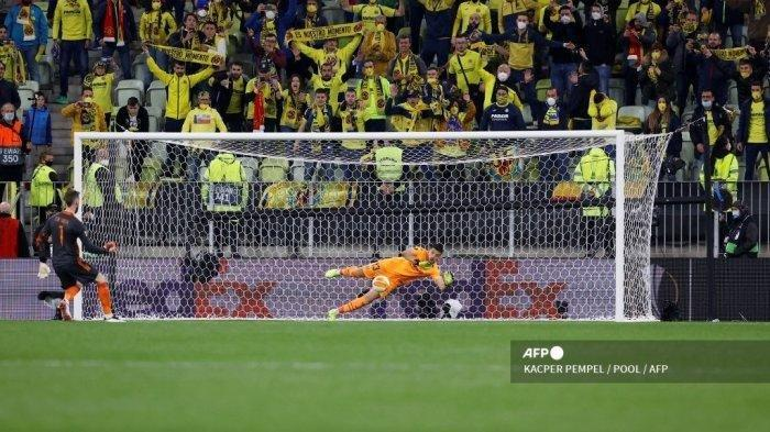 Kata-kata Menyentuh de Gea Usai Gagal Tendang Penalti & Buat Man United Kehilangan Gelar Liga Eropa
