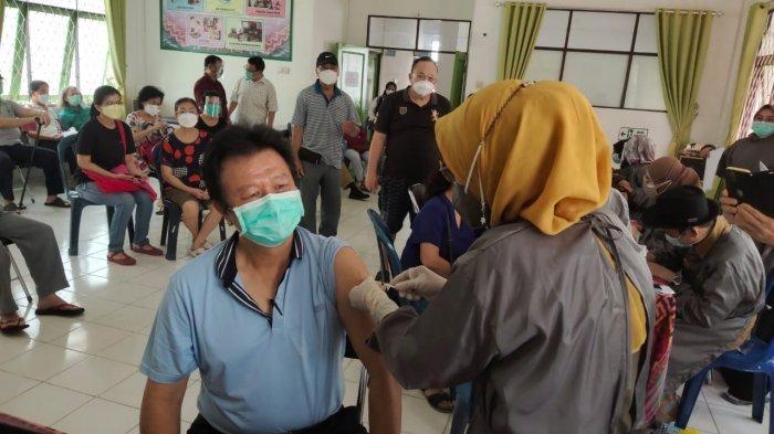 Wabah Corona Kalsel, SKPD di Banjarmasin Diminta Membawa Minimal 5 Lansia untuk Divaksin