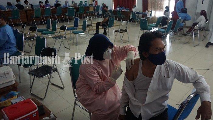 Wabah Corona Kalsel, vaksinasi dosis pertama guru-guru di Kabupaten Barito Kuala
