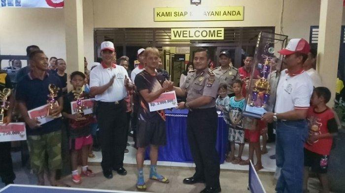 Sukacita Warnai Penyerahan Tropy Tenis Meja di Martapura Timur
