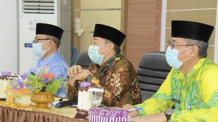 Wakil Bupati Hulu Sungai Selatan (HSS) yang juga Ketua Lembaga Pengembangan Tilawatil Quran (LPTQ), Syamsuri Arsyad, memberi arahan dalam persiapan kafilah mengikuti MTQ tingkat Provinsi Kalimantan Selatan.
