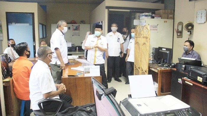 Sidak ke PUPR dan Kecamatan LAU, Wabup HST Minta Meja Kasi dan Kasubbag Ditempeli Tupoksi