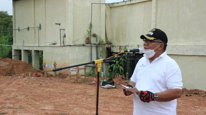 Wakil Bupati HSU Husairi Abdi Ikut Tanam Pohon di Lapangan Tembak Polsek Amuntai Kota