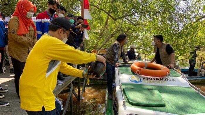 Wakil Rektor ULM Luncurkan Kapal Riset, Dukung Penelitian Bekantan dan Ekosistem Lahan Basah