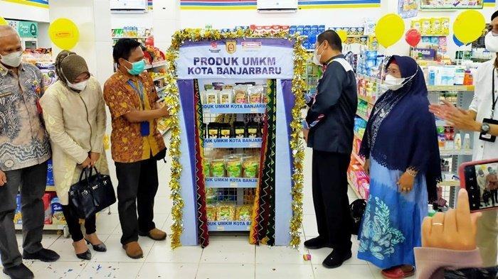 Wakil Wali Kota Wartono SE resmikan pemasaran produk UMKM di semua Toko Indomaret di Banjarbaru, Provinsi Kalimantan Selatan (Kalsel), Kamis (9/9/2021).