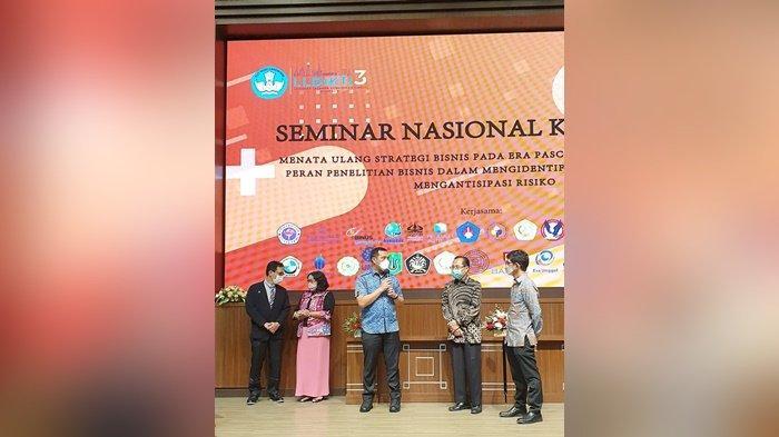 Wali Kota Banjarbaru, HM Aditya Mufti Ariffin, menyampaikan sambutan dan juga ucapan terima kasih  atas bantuan helm robo flow dan alat HFNC (High Flow Nasal Cannula) yang diberi Universitas Gunadarma, di Jakarta.