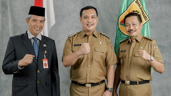 Wali Kota Banjarbaru (tengah) dan Wakil bersama Sekdako Banjarbaru.