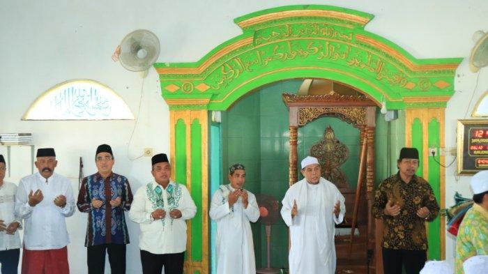 Wali Kota dan Wakil Wali Kota Banjarbaru Safari Jumat di Masjid Al Miftah