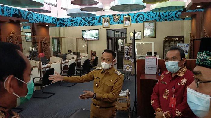 Warga Ingin Cetak KTP, Cukup Lewat Mesin ADM di Mall Pelayanan Terpadu Palangkaraya