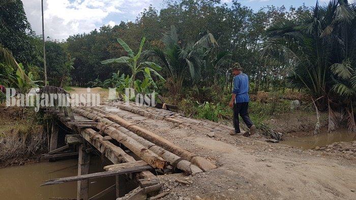 Warga Desa Rumintin Kabupaten Tapin Berharap Perbaikan Jembatan