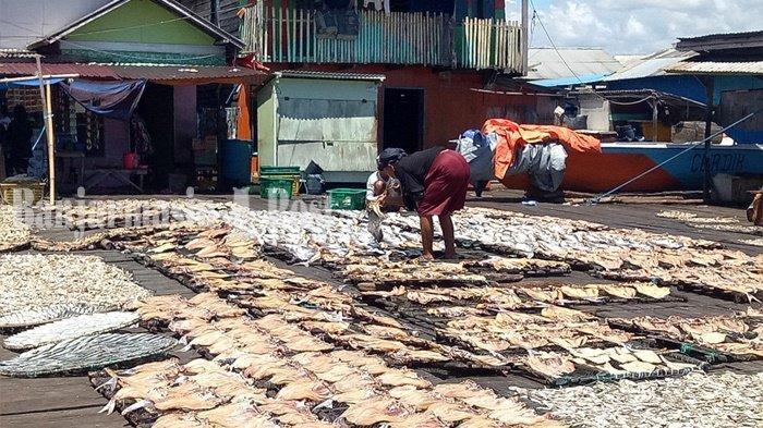 Kuliner Kalsel, Desa Rampa Kabupaten Kotabaru Tujuan Wisaatawan Cari Ikan Kering
