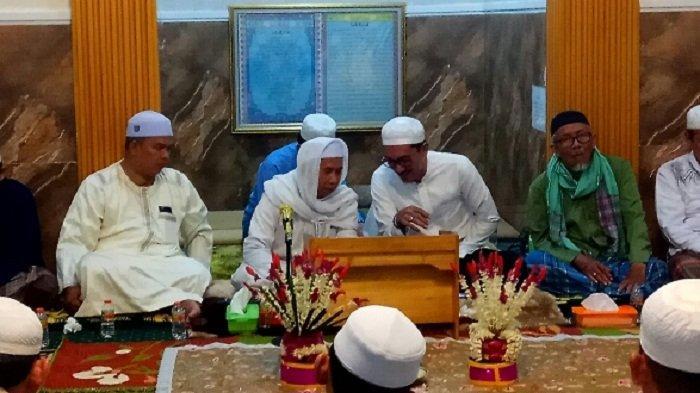 Warga Padati Langgar Al Hikmah, Peringati Maulid Nabi Muhammad SAW