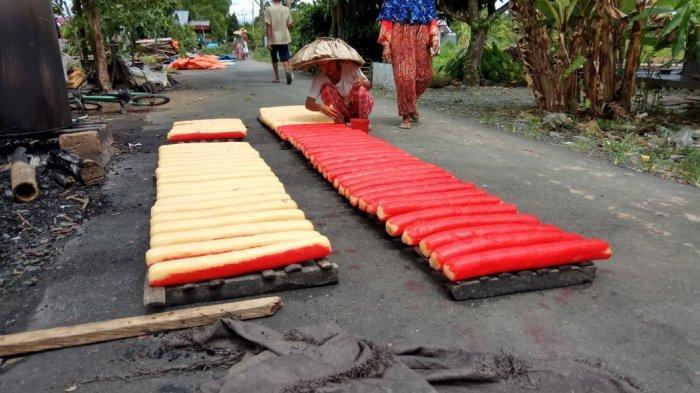 Kalselpedia: Desa Sahurai, Penghasil Kerupuk Terbesar di Batola