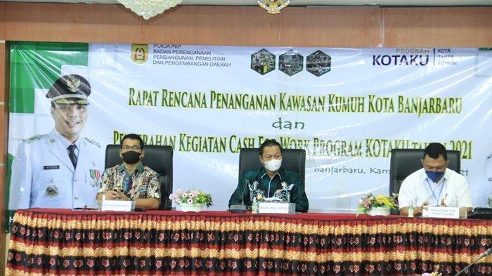 Wakil Wali Kota Banjarbaru Hadiri Penyerahan Kegiatan Cash For Work (CFW) Program Kotaku