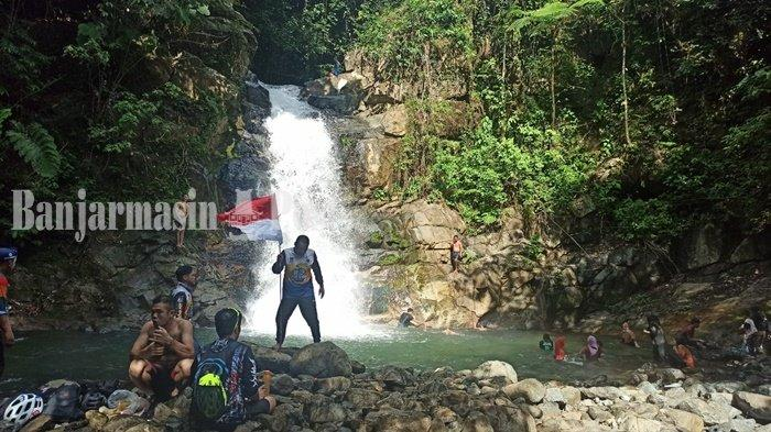Wisata Kalsel, Tim Wisata P2M Sediakan Jasa Menuju Air Terjun Tumaung Kabupaten HST