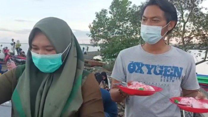Wisata Kalsel : Ragam Kuliner di Pelabuhan Batang Tanbu, Ada Pentol, Jagung Bakar dan Pisang Gapit