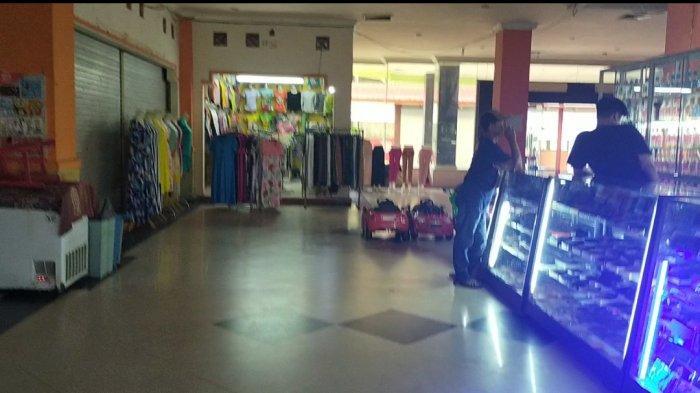 Wisata Kalsel, Pasar Modern Amuntai Banyak Penjual Pakaian dan Aksesoris