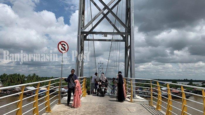 Wisata Kalsel, Keindahan Pulau Bromo Banjarmasin dari Atas Jembatan Gantung