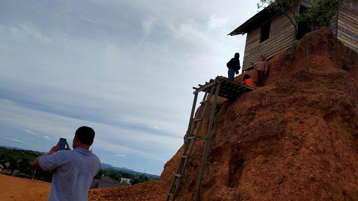 Wisata Kalsel, Asyiknya Berfoto di Rumah Jomblo Banjarbaru Kawasan Gunung Kupang Cempaka