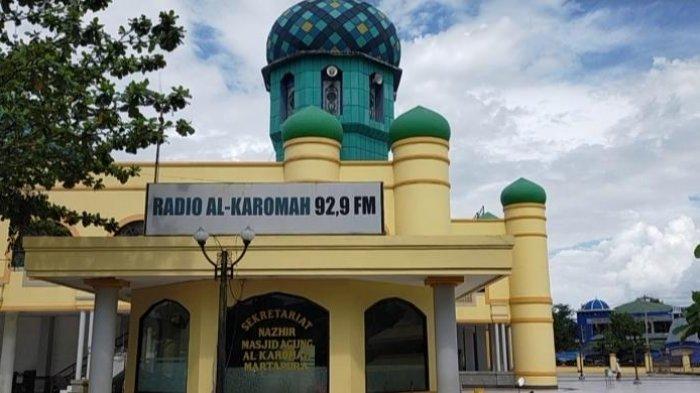 Wisata Kalsel: Patokan Waktu Shalat dari Siaran Radio di Masjid Agung Al Karomah Martapura
