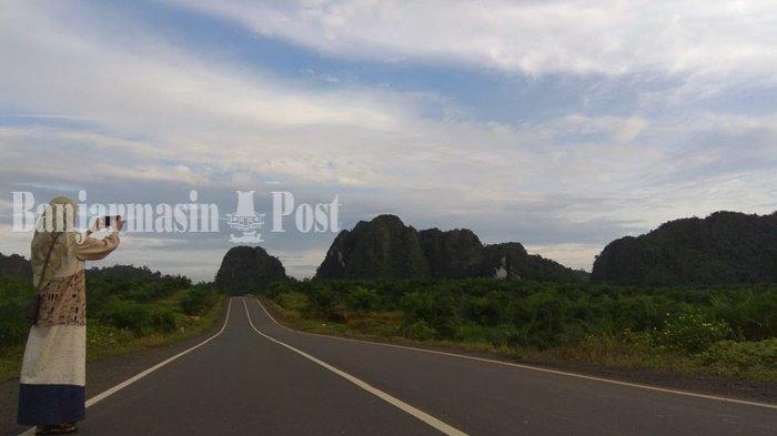 Wisata Kalsel, Lokasi Swafoto Jalan Terapit Bukit Kapur di Mantewe Kabupaten Tanbu