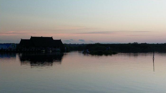 Wisata Kalteng, Air Hitam Bikin Penasaran Pengunjung Wisata Susur Sungai Kereng Bengkirai