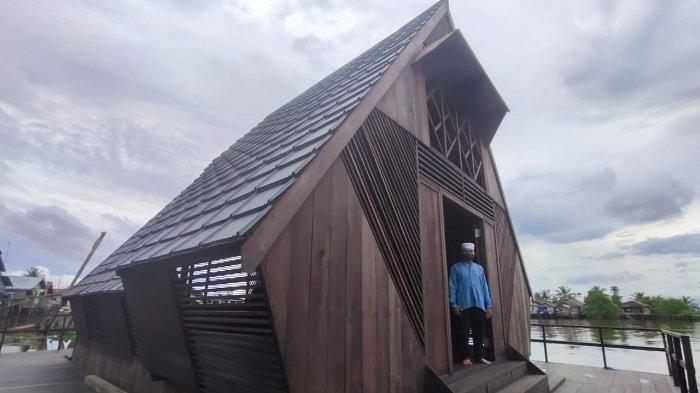 Wisata Kalsel Rumah Lanting Kelurahan Mantuil Banjarmasin, Diakses Melalui Jalur Darat dan Sungai